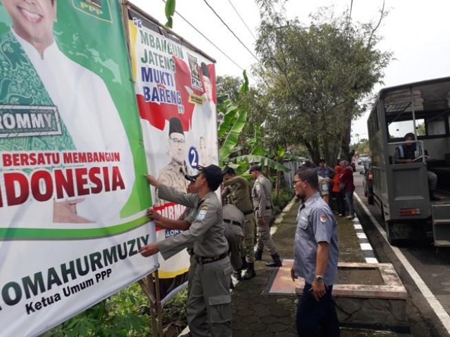 Image result for alat peraga kampanye